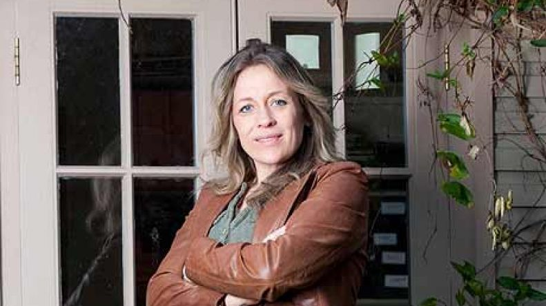 channel 4 distribution catalogue sarah beeny s how to sell your home rh distribution channel4 com